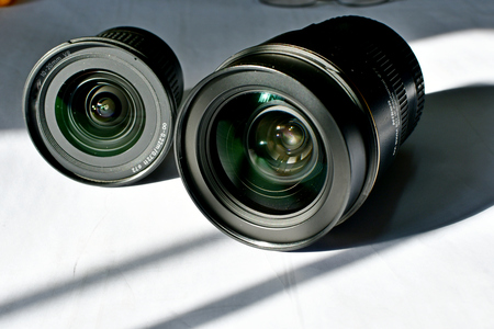 Zoom lens display for DSLR cameras