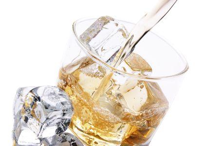 cristal de hielo y de alcohol