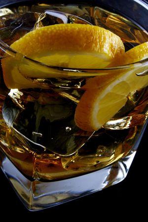 glass of ice and citrone Reklamní fotografie