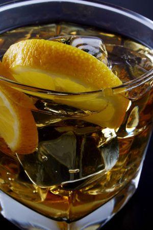 glass of ice and alcohol Reklamní fotografie