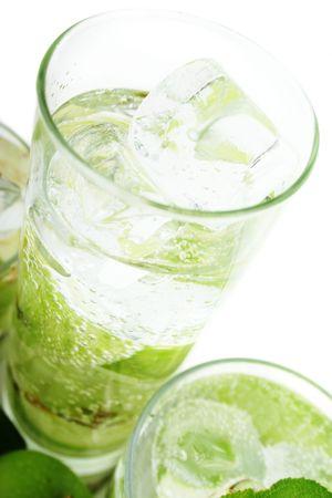 acqua di seltz: Apple nel verde di Soda Water Archivio Fotografico