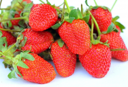 Beautiful strawberries isolated on white Stock Photo - 16455539