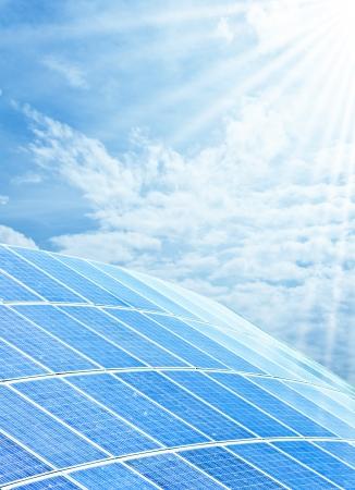 エネルギーのための太陽電池のインストール 写真素材