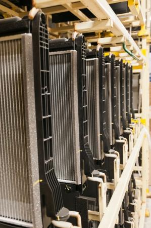 Radiator auto in de verpakking, het product van de industriële vormgeving Stockfoto - 22685739