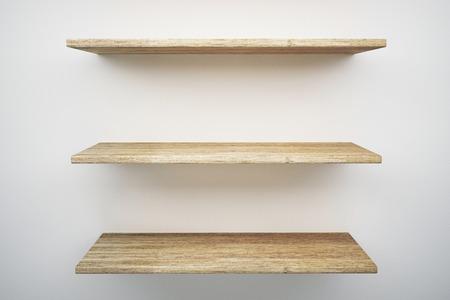 wood shelf on white wall Stockfoto