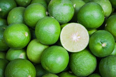 Green Lemon cut Imagens