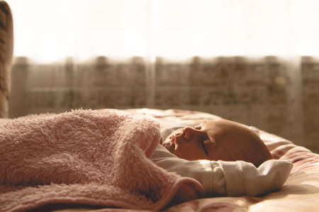 baby sleeps during the day in the sun Archivio Fotografico
