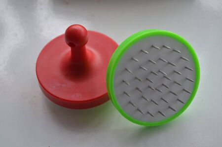 the device to puncture the foil of the hookah shisha or bong