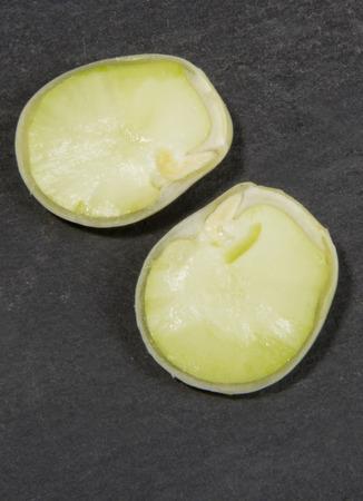 haba: Organic Broad Bean Sliced in Half