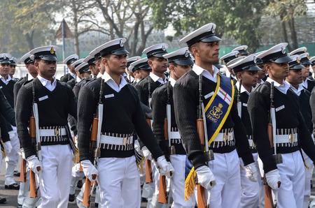 guardia de seguridad: ej�rcito de la India practican su desfile durante D�a de la Rep�blica. Editorial