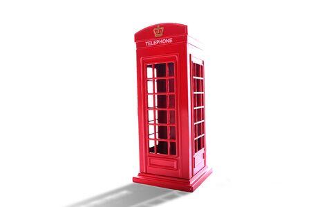 cabina telefono: Classic British red phone booth on isolated white Foto de archivo