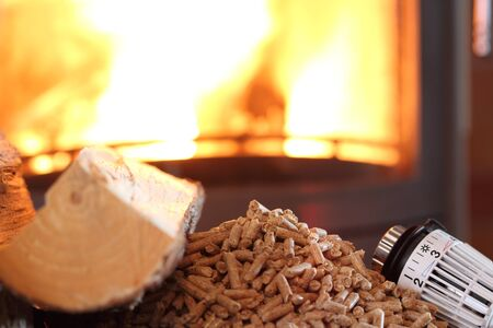 Fireplace with pellets and thermostat