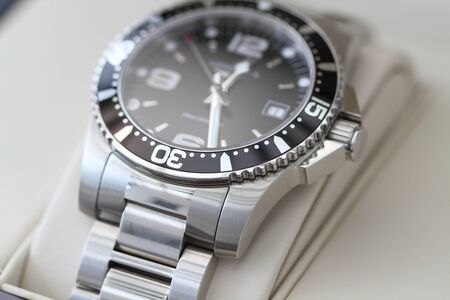 Diver watch with a metal bracelet