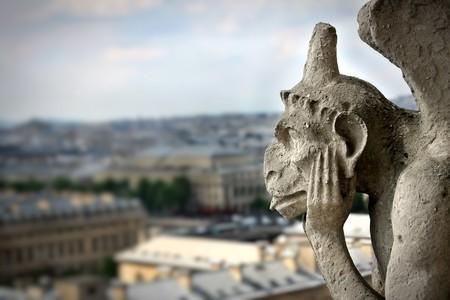 gargouille: Gargouille de la Cath�drale de Notre Dame Banque d'images