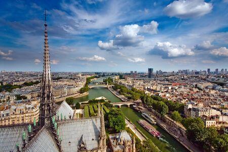 seine: Uitzicht op de Notre Dame van Parijs, Frankrijk
