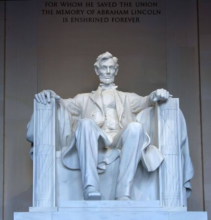 abraham lincoln: Statue of Abraham Lincoln in the Lincoln Memorial, Washington, DC