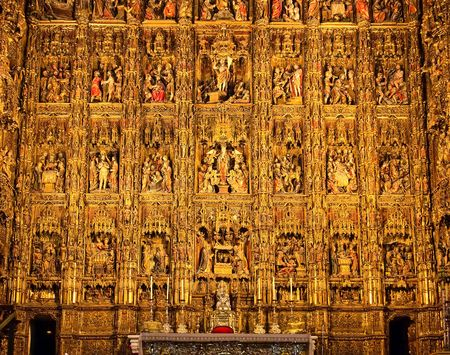 high altar: Altarpiece in the Cathedral of Seville (Pierre Dancarts masterpiece), Spain Editorial