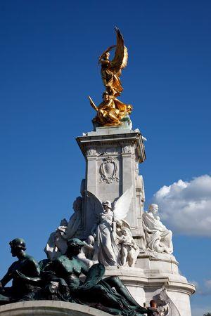 Image of Victoria Memorial, London, UK photo