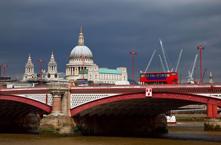 blackfriars bridge: St. Paul Cathedral and Blackfriars Bridge, London