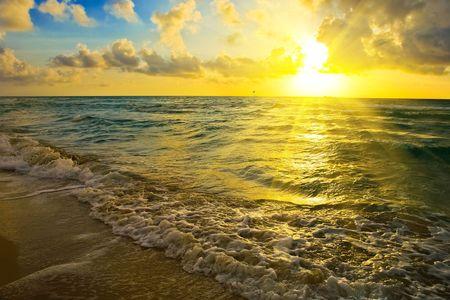 Sunrise over Atlantic ocean, FL, USA Stock Photo - 5576382