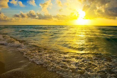 Sunrise over Atlantic ocean, FL, USA Stock Photo - 5576382
