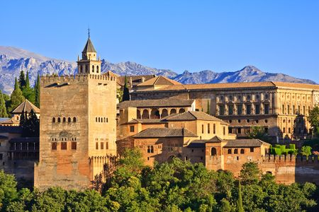 andalusien: Hier werden auf Alhambra bei Sonnenuntergang, Granada, Spanien Editorial