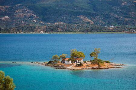 poros: Small island in Aegean sea