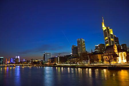 Frankfurt nad Mohanem v noci Reklamní fotografie