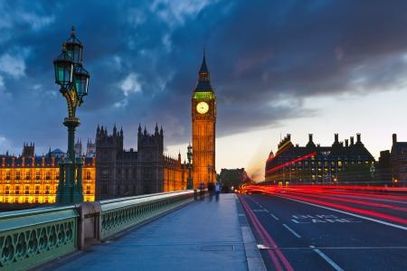londre nuit: Big Ben pendant la nuit, Londres