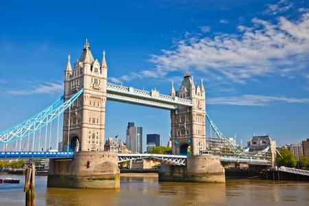 Tower Bridge in Londen, Verenigd Konink rijk  Stockfoto - 8092981