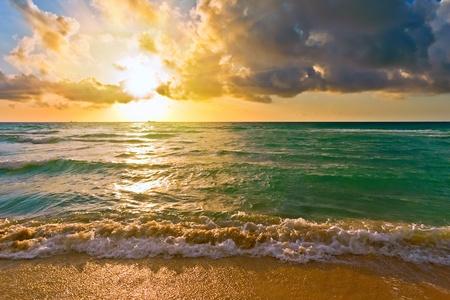 Sunrise, Océano Atlántico Foto de archivo
