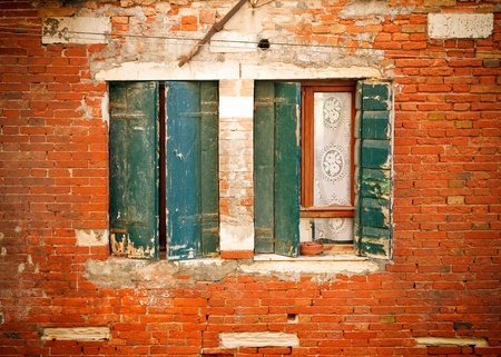 Windows of old house in Venice Stock Photo - 9081026