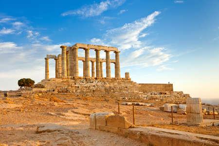 Ruinas del templo de Poseid�n, Cabo Suni�n, Grecia  Foto de archivo