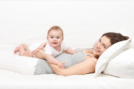 mamans: M�re avec b�b� Banque d'images