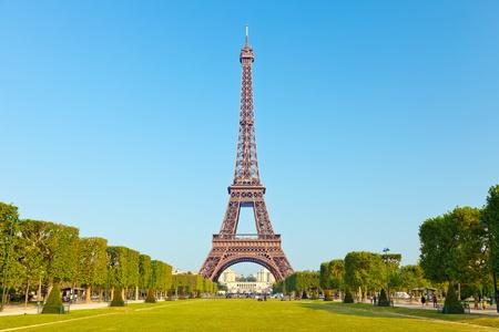 национальной достопримечательностью: Эйфелева башня, Париж, Франция