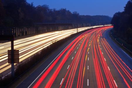 高速道路上のトラフィック