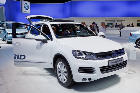 iaa: FRANKFURT - SEP 17: Volkswagen Touareg Hybrid car shown at the 64th Internationale Automobil Ausstellung (IAA) on September 17, 2011 in Frankfurt, Germany.