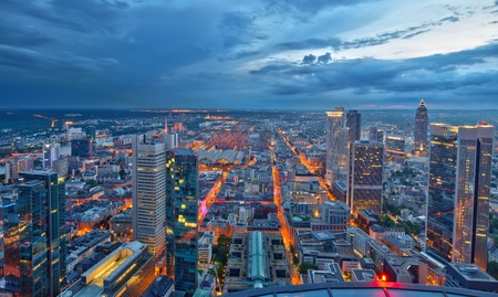 aerial: Frankfurt am Main di notte