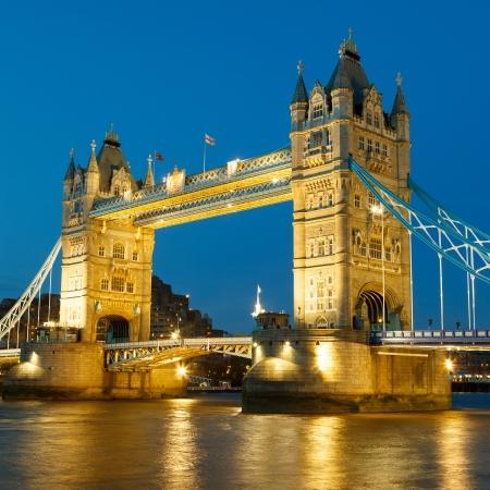 Tower Bridge bij nacht Stockfoto