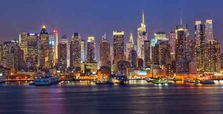 new york city times square: Manhattan at night Stock Photo