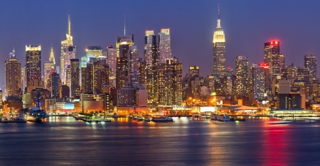 Manhattan at night Imagens