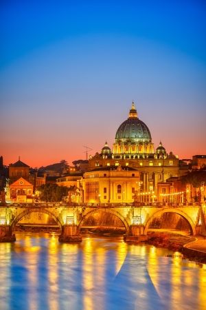 hdr: St  Peter s cathedral at night, Rome