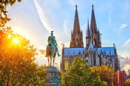 Cologne au coucher du soleil Banque d'images