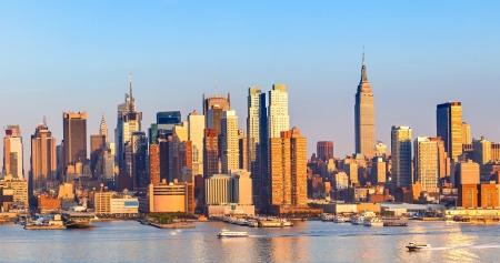 midtown manhattan: Manhattan Skyline over Hudson River