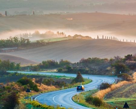 Toscane paysage au lever du soleil, de l'Italie