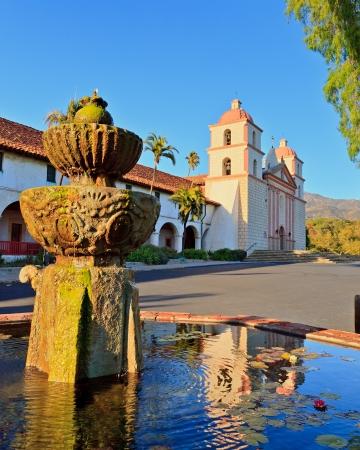 santa barbara: Mission in Santa Barbara, USA