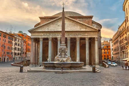 the romans: Pantheon in Rome, Italy
