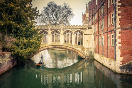 punting: The Bridge of Sigh at Saint John College Stock Photo