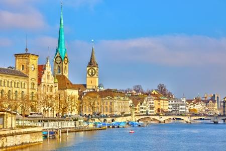 Centre-ville de Zurich à la journée ensoleillée
