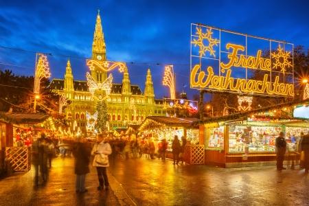 wiedeń: Tradycyjne Boże Narodzenie rynku w Wiedniu, Austria Zdjęcie Seryjne